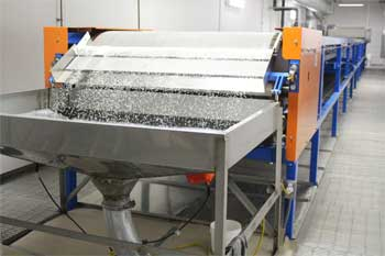 Custom Wax Blends pastillator conveyor